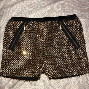 Wishlist Shorts - Sequin shorts 💛